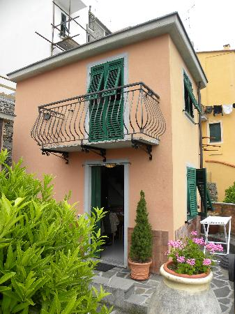 Two story villa - Picture of Bed and Breakfast Le Terrazze ...