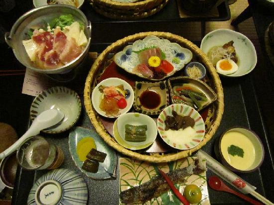 Hachimantai, Japan: もりだくさんの夕食