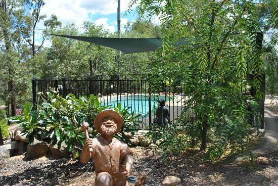 Sapphire Caravan Park: Pool