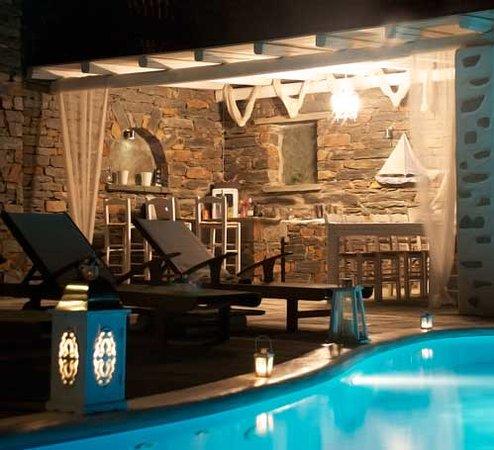 Blue Studios: pool by night