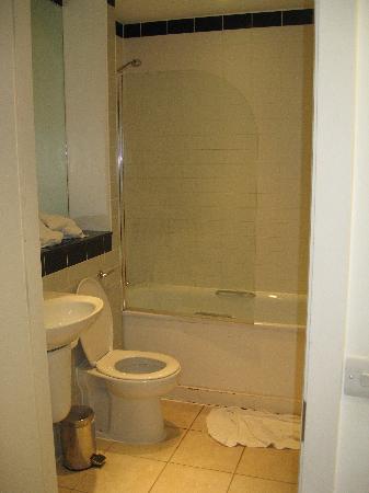 MiNC Apartments - Lombard Lane: la salle de bain