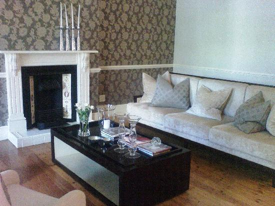 Banksia Boutique: Sitting Room (Common Area)
