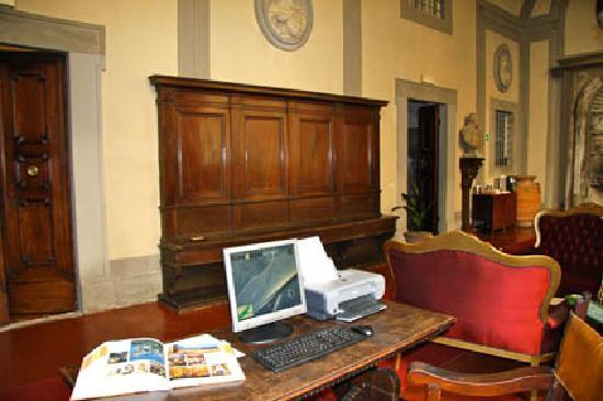 Palazzo Magnani Feroni: In-House Internet