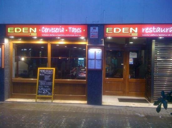 Restaurante EDEN: Rest, right next to BCN Sants. (Turn right, you r there)