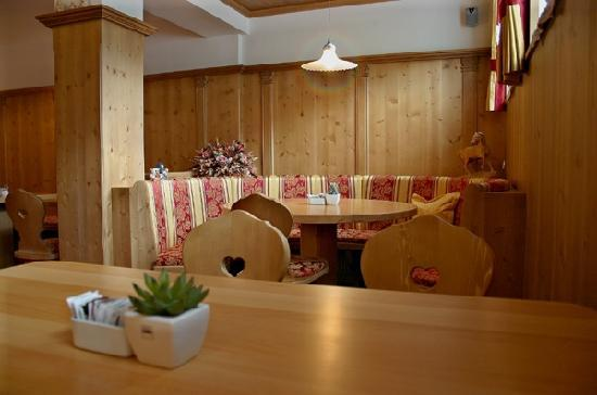 Garni Flurida: Breakfast Room