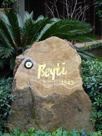 Beyti Restaurant: L'insegna del ristorante