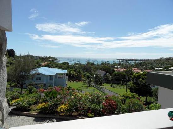 Casabella Bed & Breakfast: View from Casa Bella veranda across Prickly Bay