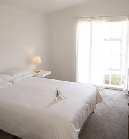 Die Laaitjie: Cottage bedrooms