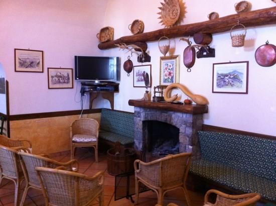 Agrituristica La Ginestra: salotto