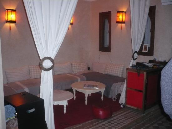 Riad 107: Un des petits salons
