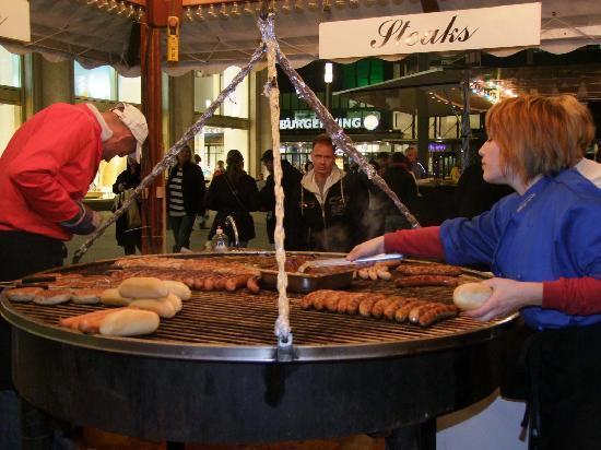 Berlijn, Duitsland: Venditori di Hot Dog