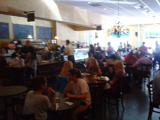 Pane Rustica : nice local crowd - hopping place.