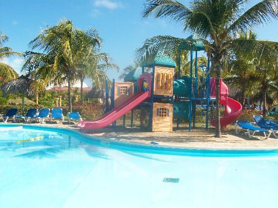 Piscina para ni os picture of hotel pelicano cayo largo for Piscina plastico ninos