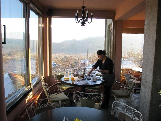 Mirtali Art Hotel : Breakfast with a view