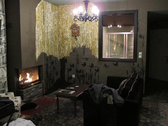 Mirtali Art Hotel : The suite