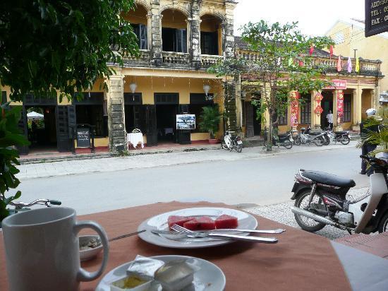 Khách sạn An Huy: street