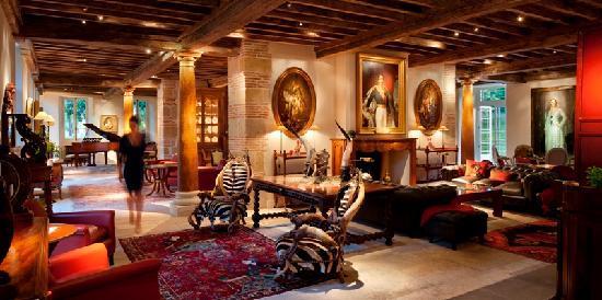 Les Pres d'Eugenie: Les Prés d'Eugénie - Le Loulou's Lounge Bar