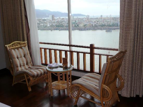 Green Plaza Hotel: view