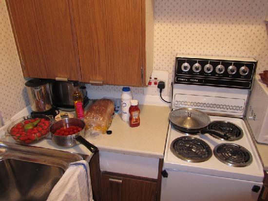 202 Modern Service Apartments: Cocina