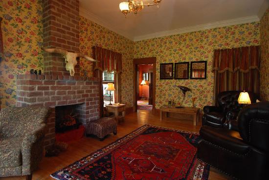 Great Tree Inn Bed & Breakfast: The Wardroom