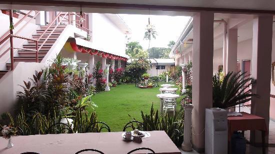Tropical Sun Inn : Innenhof