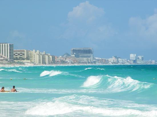 Big Waves Picture Of Sun Palace Cancun Tripadvisor