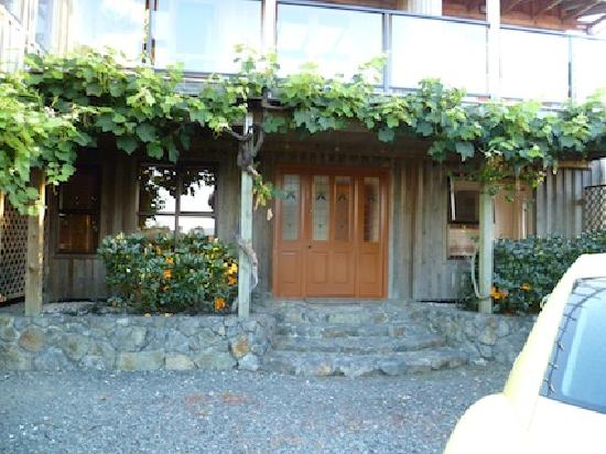 Saltings Estate Vineyard Accommodation: Merlot Suite Front Door