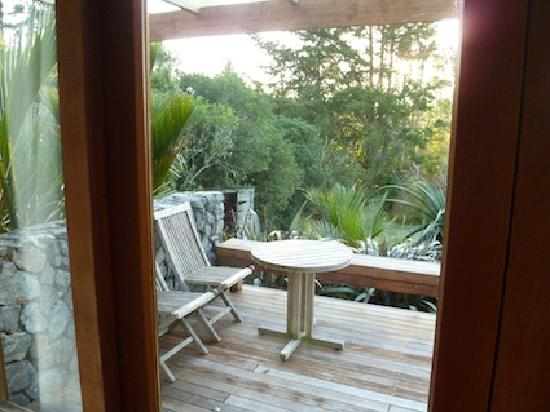 Saltings Estate Vineyard Accommodation: side deck of Merlot suite