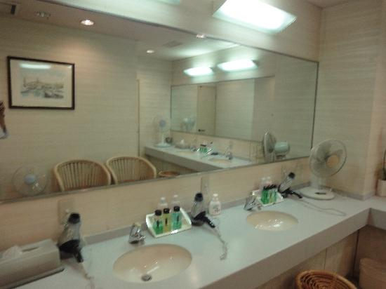 Hotel Claiton Shinosaka : Equipement sources chaudes