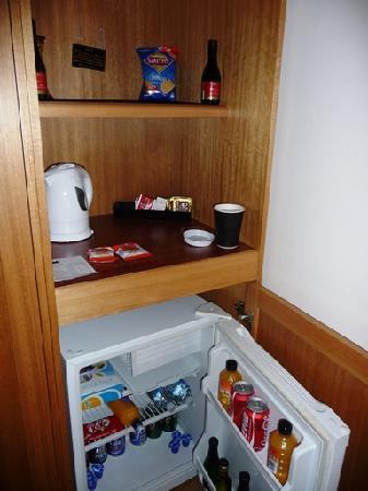Crown Hotel Motel : The fridge area