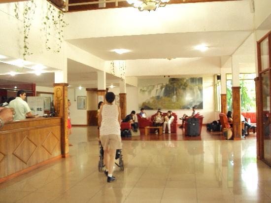 HOTEL CARMEN LOBBY