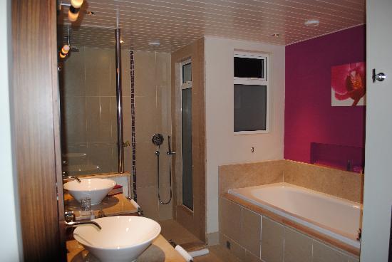 pommeau douche italienne maison design. Black Bedroom Furniture Sets. Home Design Ideas