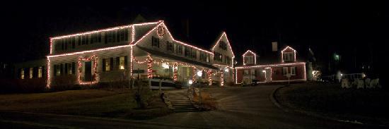 Christmas Farm Inn & Spa: The Inn Early December without snow.