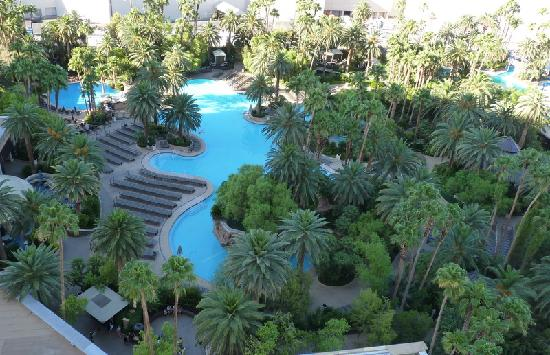 la splendide piscine du mirage foto di the mirage hotel casino las vegas tripadvisor. Black Bedroom Furniture Sets. Home Design Ideas