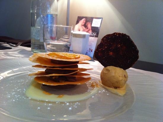 Cassel, France: délicieux dessert choco caramel