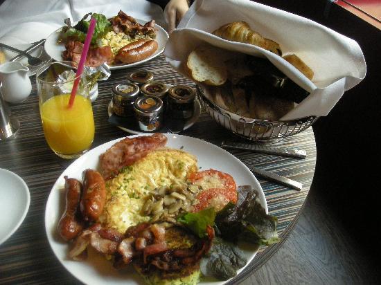 Buddha-Bar Hotel Prague: Breakfast at Siddhartha Cafe