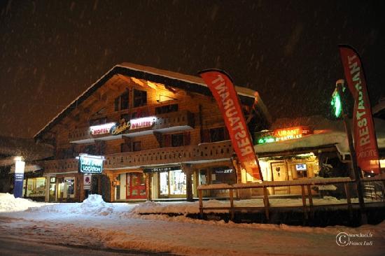 Hotel Chalet d'Alizee : Vue ennneigée