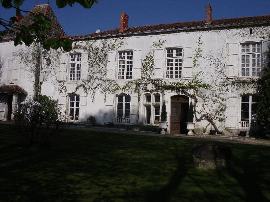 Chateau de Fayolle: The Main House