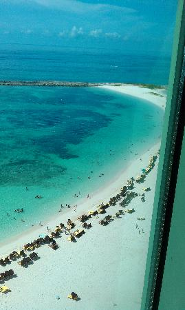 The Reef Atlantis, Autograph Collection : Master Bedroom View1