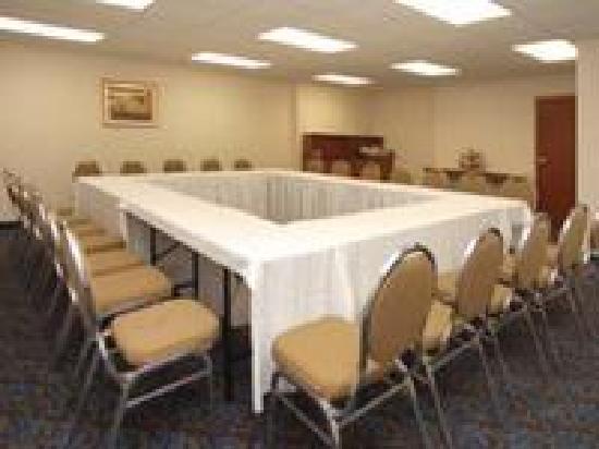 Best Western Plus Burlington Inn & Suites Meeting Room
