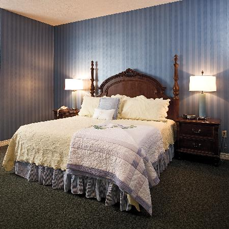 Chateau Chantal Winery and Inn: Behrens Master Suite Bedroom
