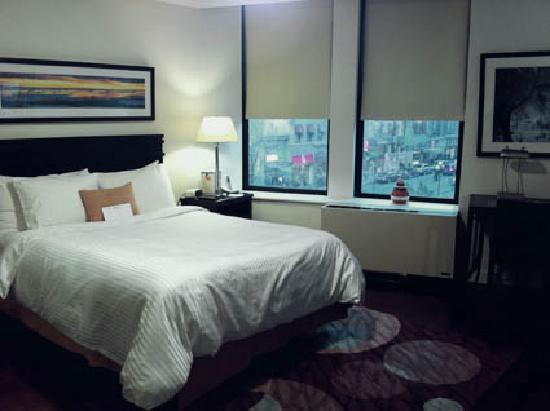 Oakwood at 6th Avenue: Bed