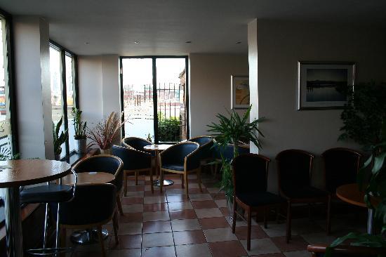 Cafe Indigo: The bar area