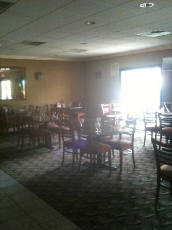 Clarion Inn Airport: Hotel restaurant