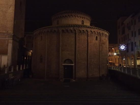 Mantua, Italien: La Rotonda di San Lorenzo