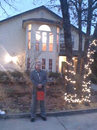 Whispering Pines Bed and Breakfast: Dr. Everett in front of WPBB