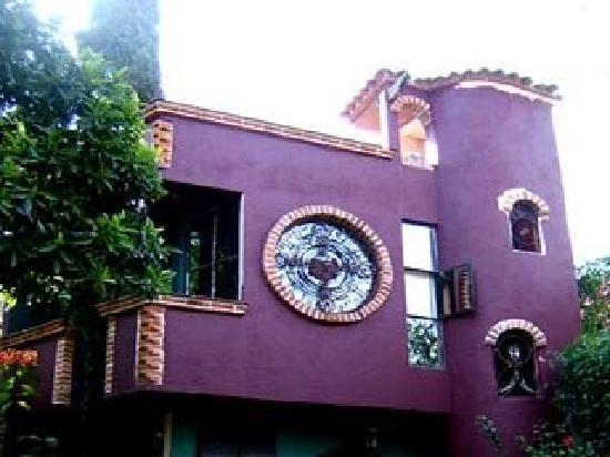 La Casa del Arrayan: House of symbol's