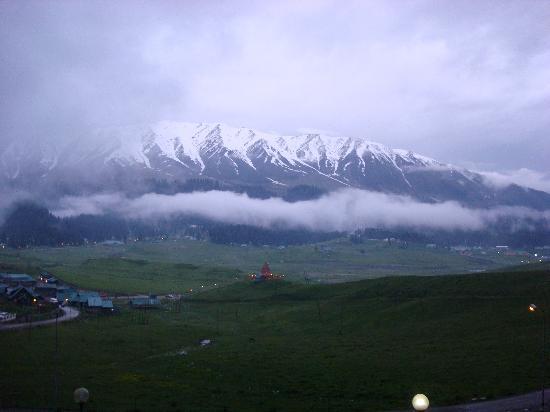 Gulmarg Alpine Guides: GULMARG