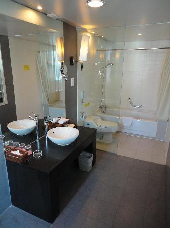 Zhongji International Hotel: Bathroom