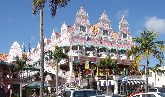 Aruba: Busy old town :-)